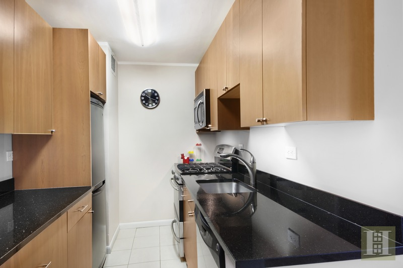 180 WEST END AVENUE 16K, Upper West Side, $559,000, Web #: 16634668