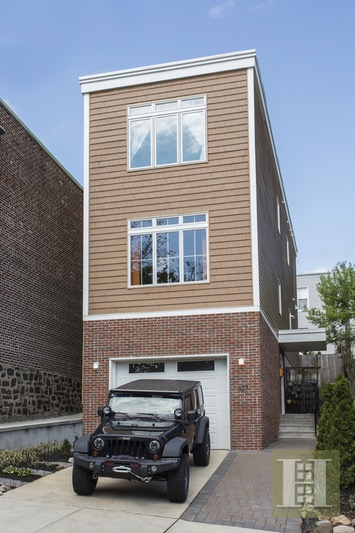 627 GREGORY AVENUE, Weehawken, $972,500, Web #: 16652731