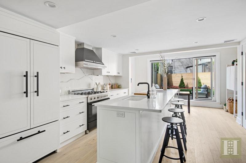 343 PROSPECT AVENUE, Park Slope, $2,600,000, Web #: 16685747