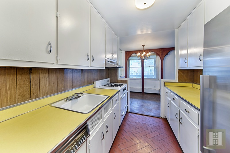 303 WEST 66TH STREET 13BE, Upper West Side, $1,049,000, Web #: 16707178