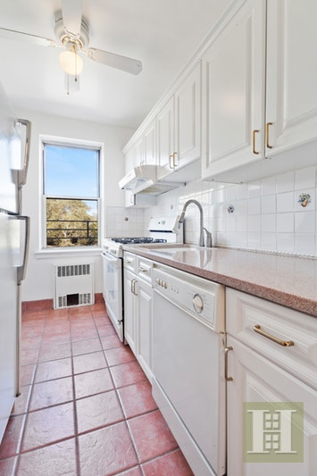 800 GRAND CONCOURSE 5CS, Concourse, $399,000, Web #: 16783815