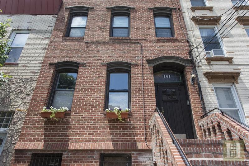 202 PARK AVE 2, Hoboken, $0, Web #: 16907846