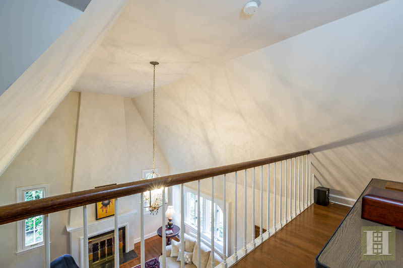 86 MIDDLESEX ROAD, Darien, $1,174,500, Web #: 170012271