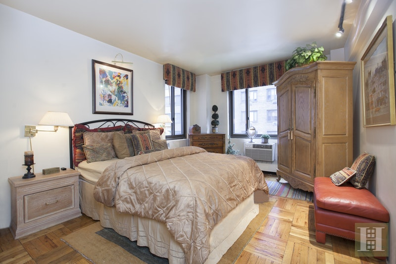 420 EAST 64TH STREET W2J, Upper East Side, $749,000, Web #: 17008790