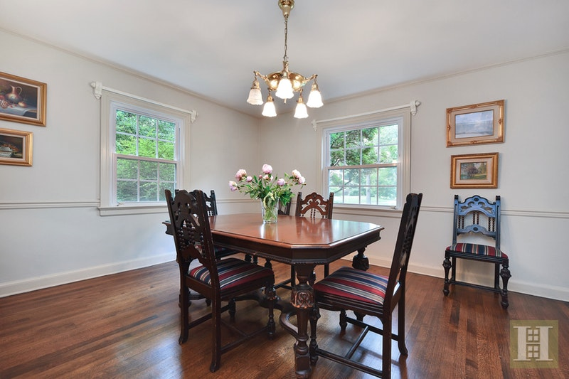 14 GRAND AVE VIEW, West Orange, $629,000, Web #: 17014080