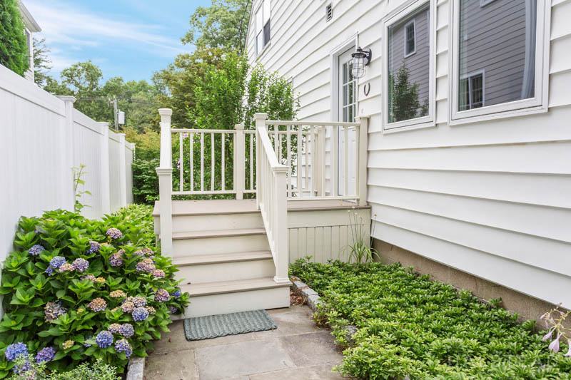 107 WEST AVENUE, Darien, $849,000, Web #: 170218594