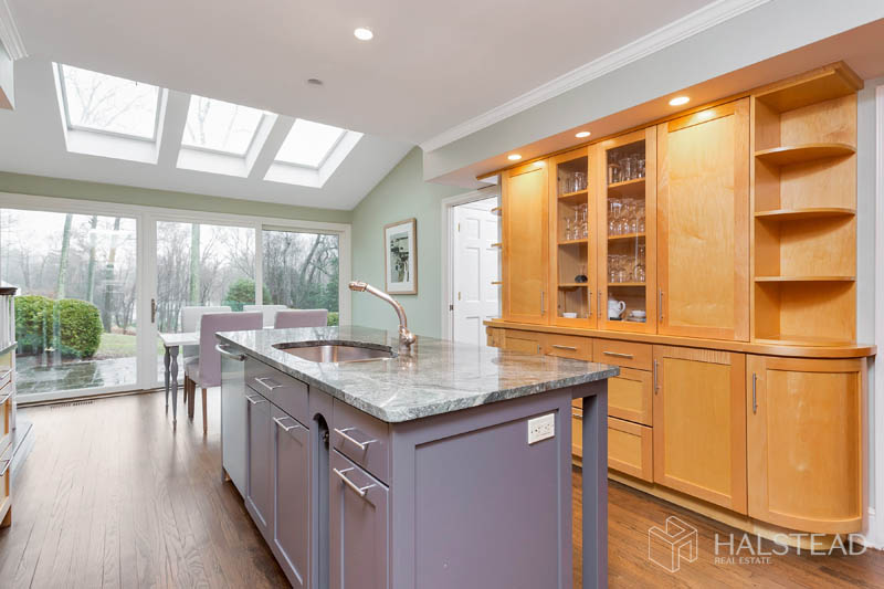7 POINT O WOODS ROAD, Darien, $1,680,000, Web #: 170270943