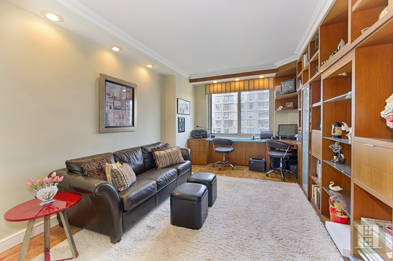 300 EAST 74TH STREET 28G, Upper East Side, $1,995,000, Web #: 17033654