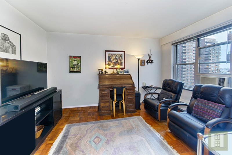 568 GRAND STREET, Lower East Side, $929,000, Web #: 17087631
