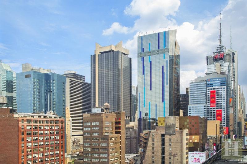 350 WEST 42ND STREET 18F, Midtown West, $1,095,000, Web #: 17237575