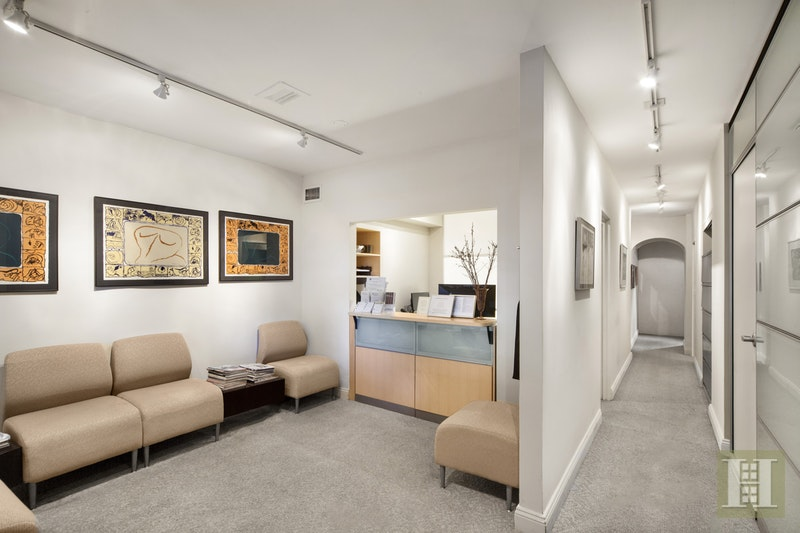 FIFTH AVENUE, Upper East Side, $2,500,000, Web #: 17336079