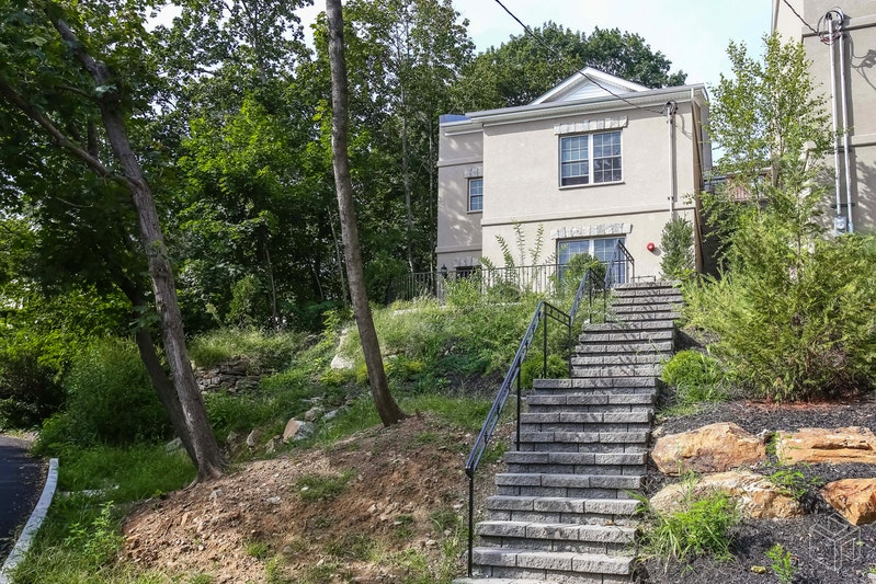 225 WEST 262ND STREET, North Riverdale, $875,000, Web #: 17391704
