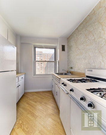 572 GRAND STREET, Lower East Side, $599,000, Web #: 17397199