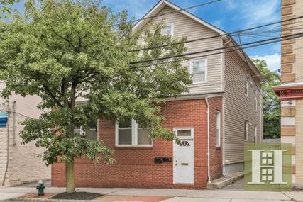 84 Bay Street Montclair Nj 07042 Rented Nystatemls