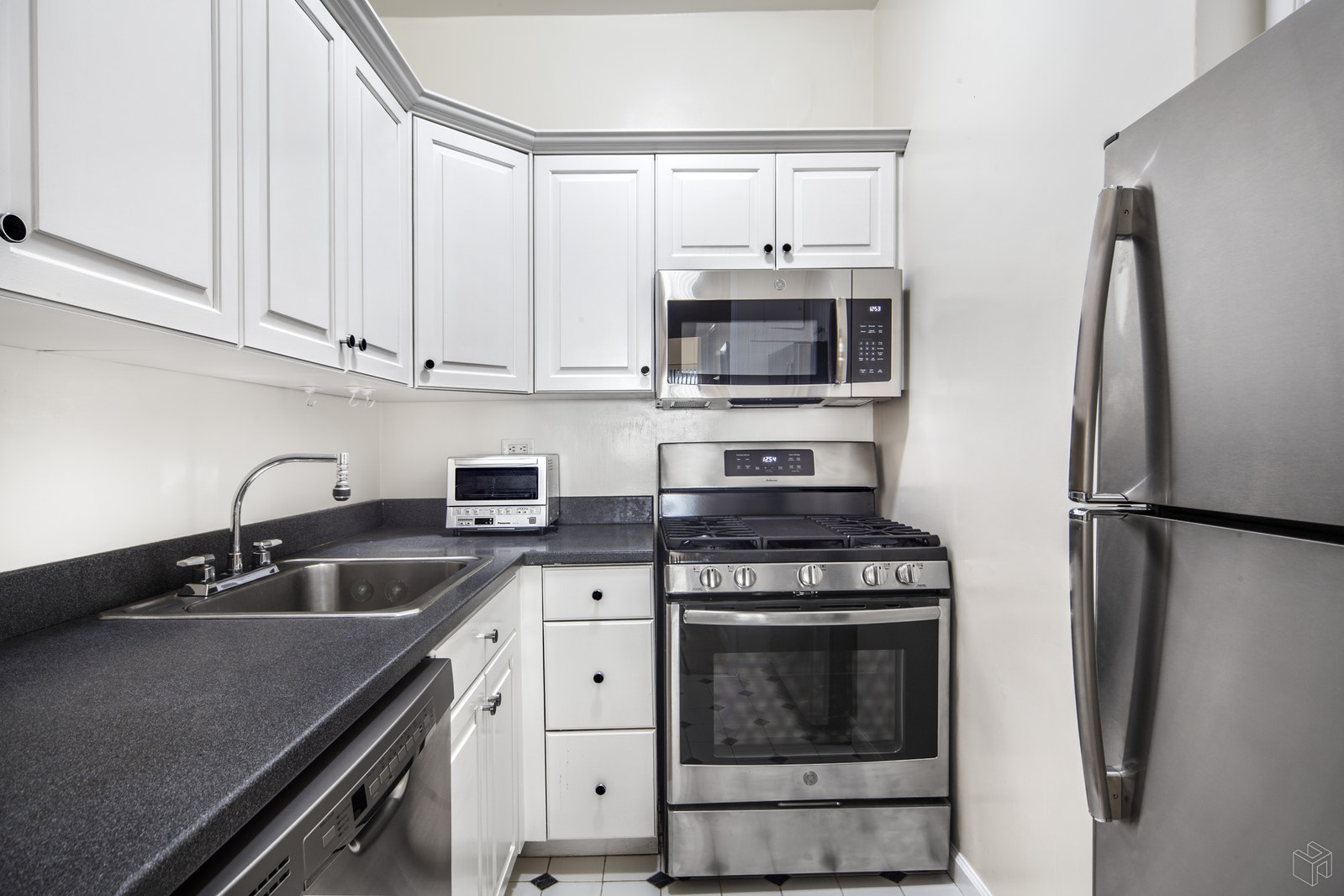 165 WEST 66TH STREET 12X, Upper West Side, $765,000, Web #: 17467678