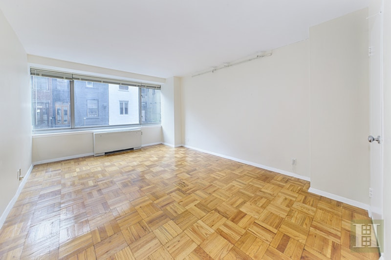 315 WEST 70TH STREET 3E, Upper West Side, $675,000, Web #: 17471711