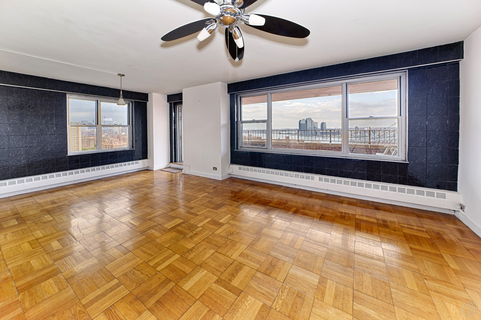 568 GRAND STREET, Lower East Side, $975,000, Web #: 17475696