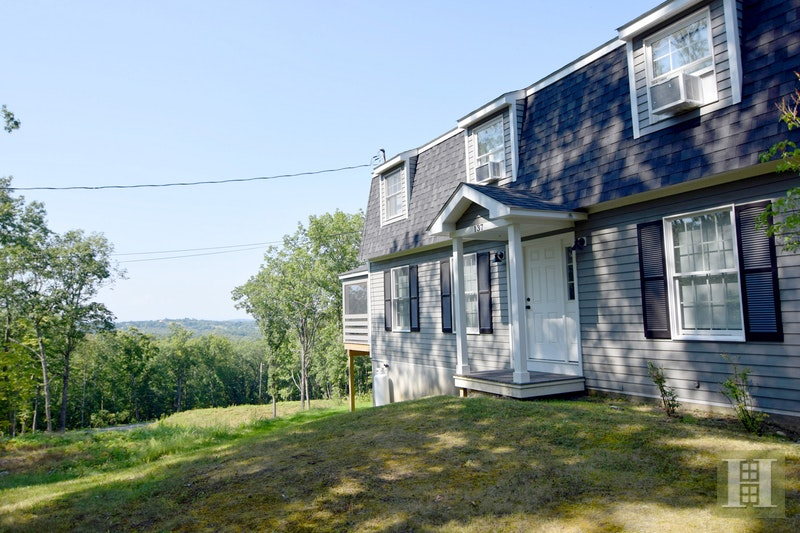 137 WEST VIEW DRIVE, GHENT, $650,000, Web #: 17560351