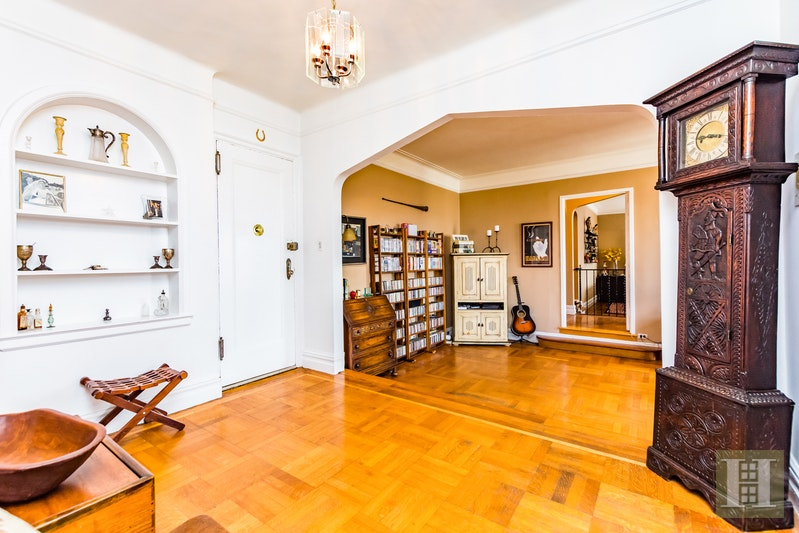 200 PINEHURST AVENUE 6AB, Washington Heights, $975,000, Web #: 17565932
