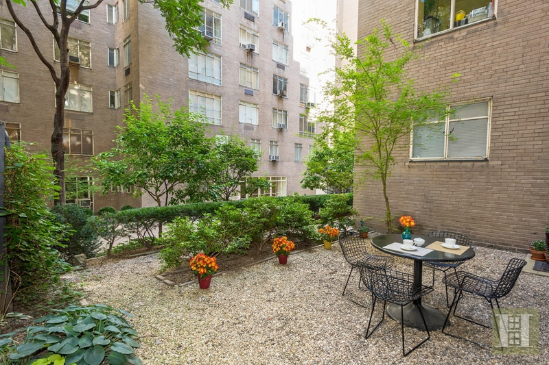 17 WEST 54TH STREET 1/2B, Midtown West, $1,695,000, Web #: 17577927