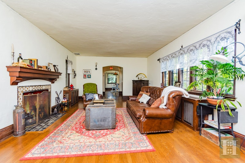 271 COLLEGE ROAD, Riverdale, $1,499,000, Web #: 17603512
