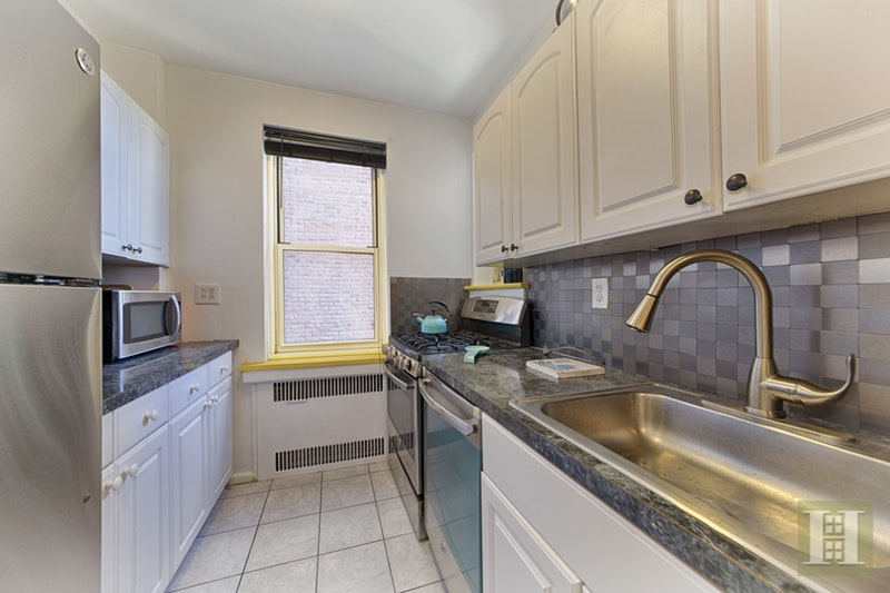 720 FT WASHINGTON AVENUE 4T, Washington Heights, $785,000, Web #: 17651001