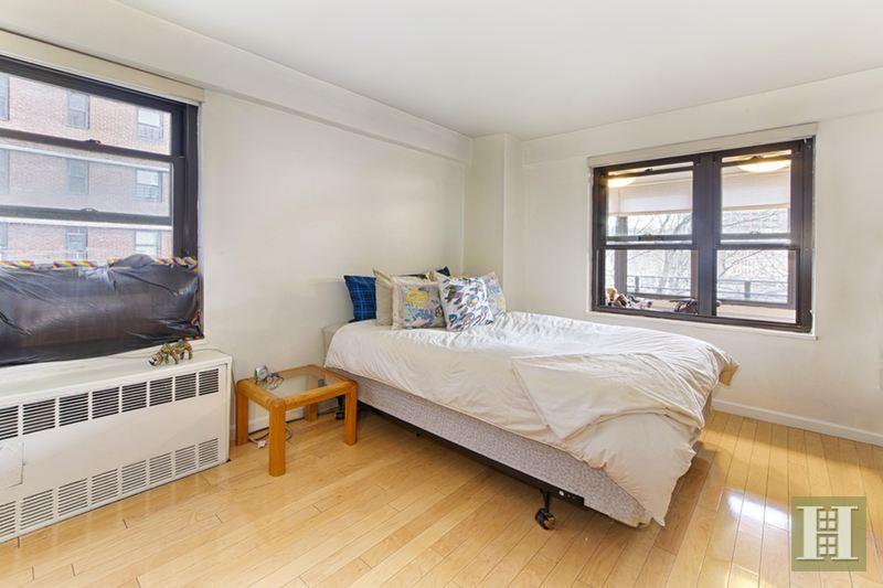 415 GRAND STREET, Lower East Side, $749,000, Web #: 176526