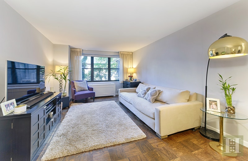 245 EAST 25TH STREET 4K, Gramercy Park, $750,000, Web #: 17660899