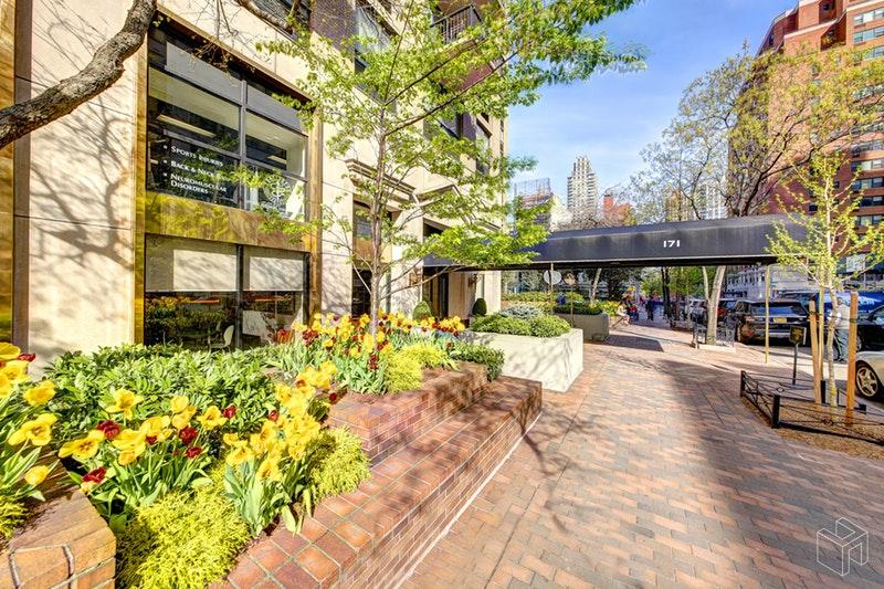 171 EAST 84TH STREET, Upper East Side, $2,150,000, Web #: 17673926