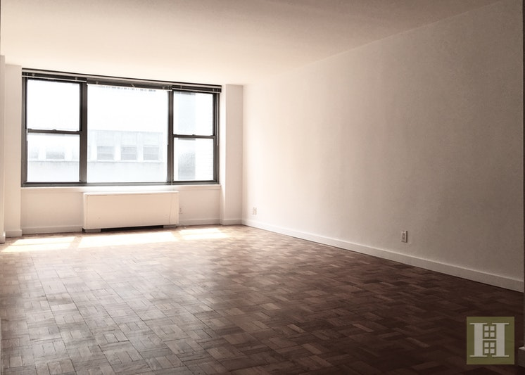 65 WEST 55TH STREET 8E, Midtown West, $3,150, Web #: 17871619
