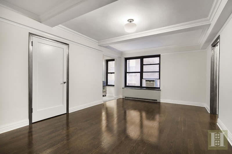 56 SEVENTH AVENUE 4G, West Village, $3,200, Web #: 17896903