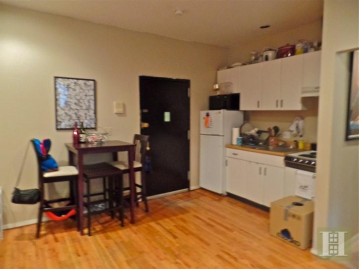 402 7TH AVE 2F, Park Slope, $2,000, Web #: 17930340