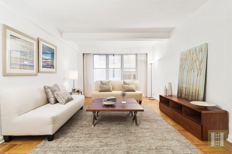 120 CENTRAL PARK SOUTH 4F, Midtown West, $795,000, Web #: 17935924