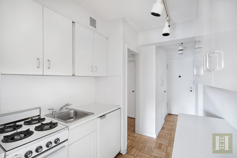 57 MONTAGUE STREET 7F, Brooklyn Heights, $475,000, Web #: 17950894