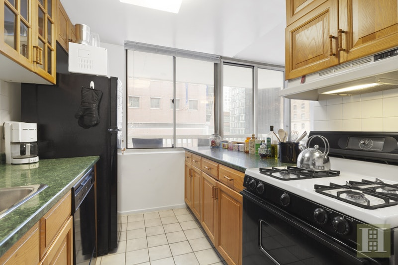 50 LEXINGTON AVENUE, Gramercy Park, $4,200, Web #: 17982924