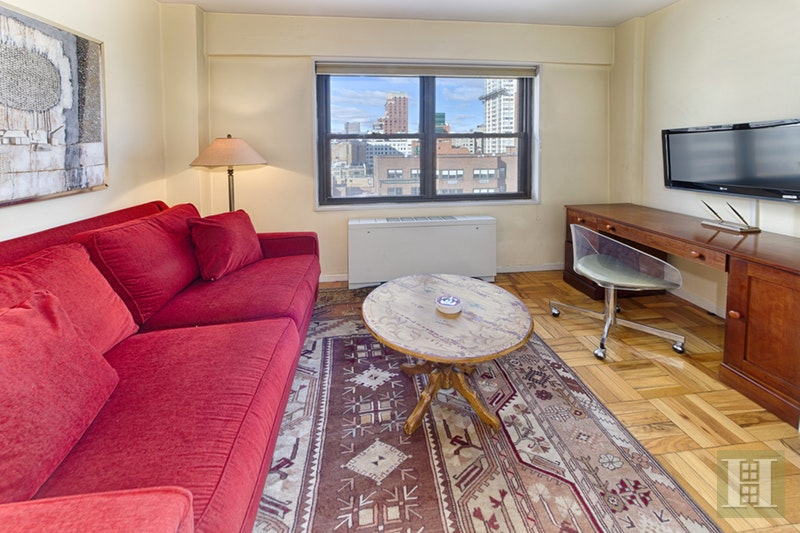 301 EAST 69TH STREET, Upper East Side, $995,000, Web #: 17999432