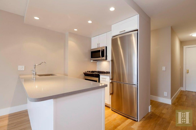 UPPER WEST SIDE ALCOVE STUDIO, Upper West Side, $2,995, Web #: 18031322