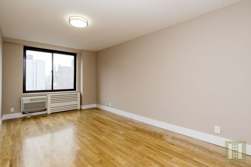 UWS RENOVATED ONE BEDROOM, Upper West Side, $3,895, Web #: 18031575