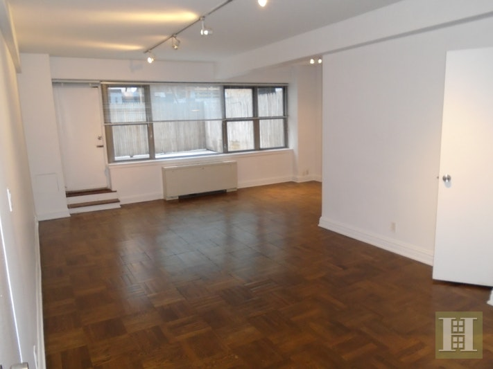 210 EAST 58TH STREET 2B, Midtown East, $2,800, Web #: 18053451
