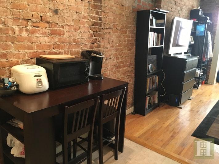 402 7TH AVE 2B, Park Slope, $1,900, Web #: 18069934