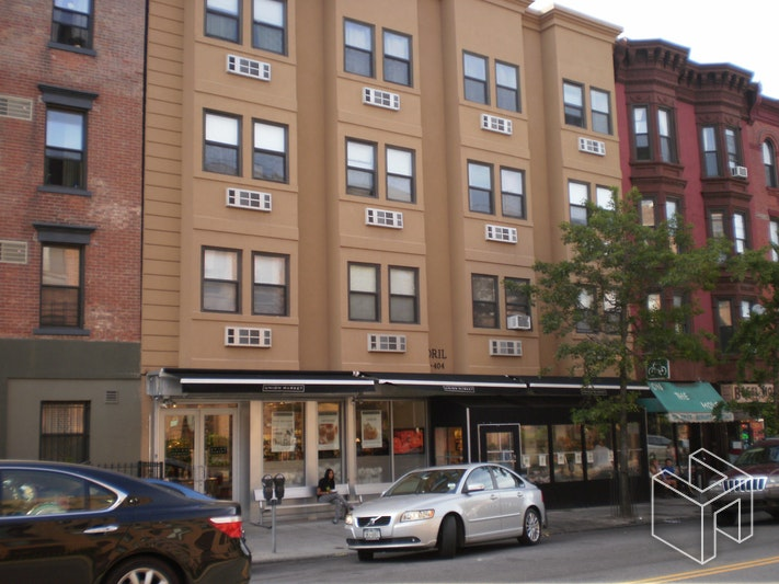 402 7TH AVE, Park Slope, $1,900, Web #: 18107429