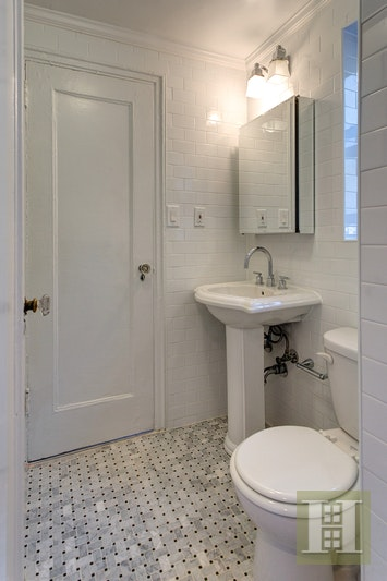 15 PARK AVENUE, Midtown East, $3,595, Web #: 18140351