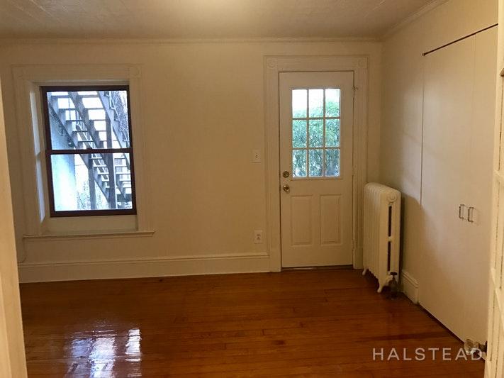 303 11TH STREET GDN, Park Slope, $2,100, Web #: 18159367