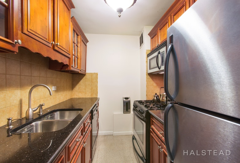 372 CENTRAL PARK WEST 6Y, Upper West Side, $3,000, Web #: 18204683
