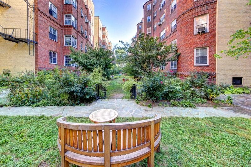 35 -24 78TH STREET, Jackson Heights, $1,425, Web #: 18225231