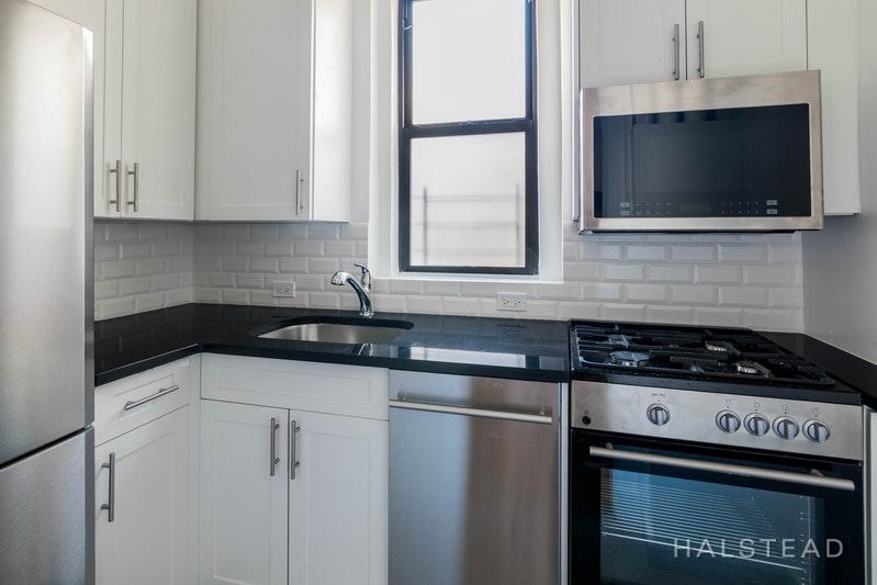260 WEST 72ND STREET 12D, Upper West Side, $4,595, Web #: 18278812