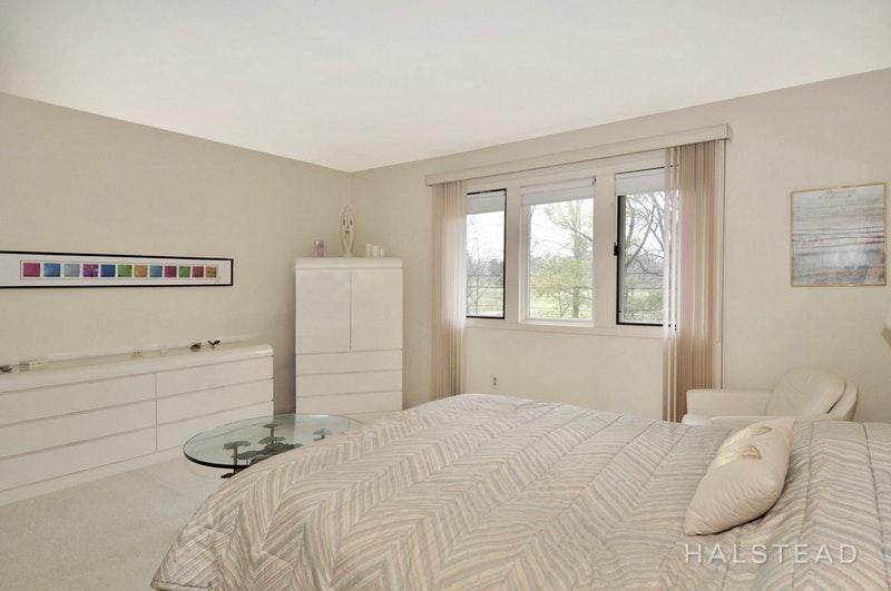 119 BOND STREET, Bridgewater, $405,000, Web #: 18295372