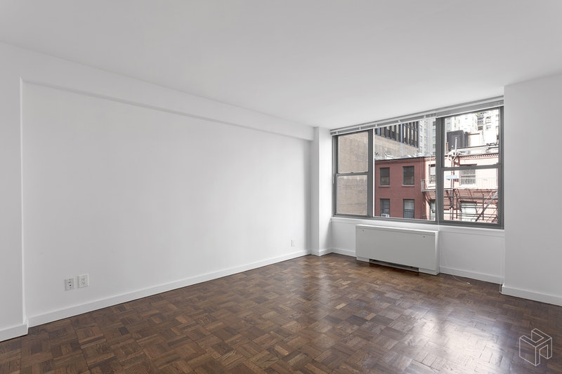 65 WEST 55TH STREET, Midtown West, $3,150, Web #: 18333642