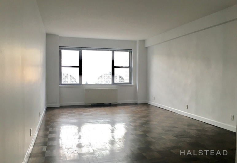 NO FEE & RENT STABILIZED!! UTIL. INCL!, Midtown East, $3,182, Web #: 18333662