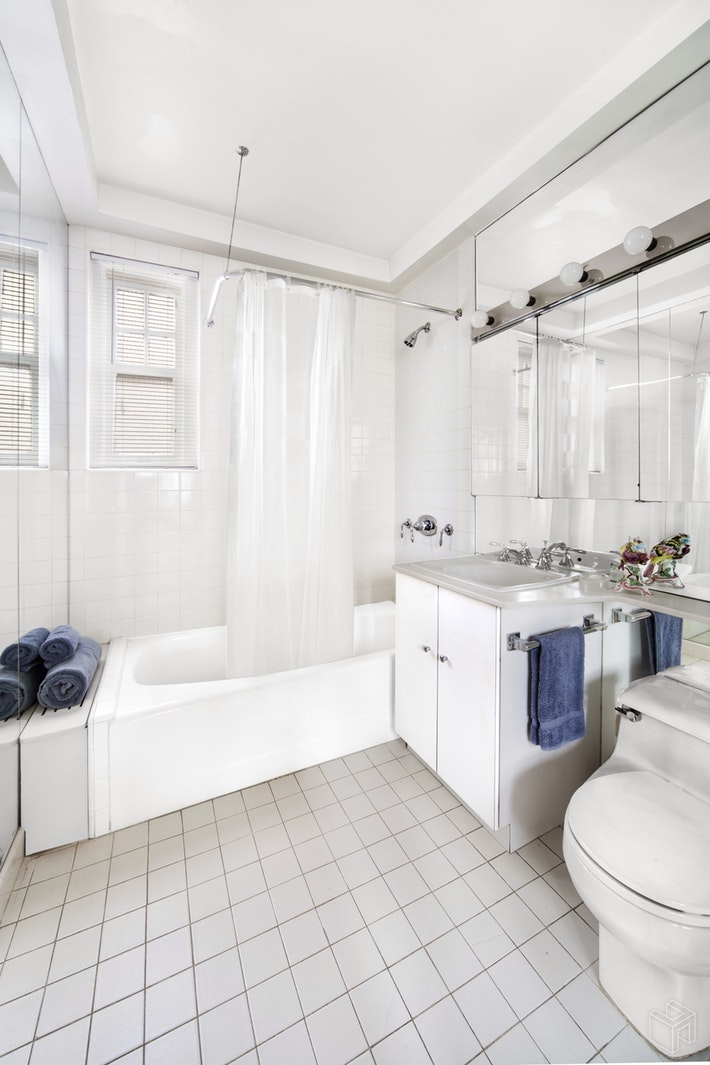 575 PARK AVENUE 1508, Upper East Side, $925,000, Web #: 18339549